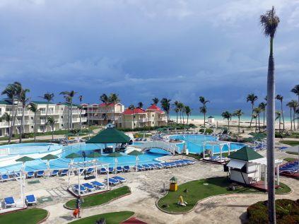 Vue sur le resort. La tempête Irma de septembre 2017 a ratiboisé tous les palmiers