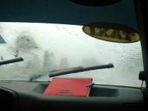 Pluie battante sur la route à Cuba