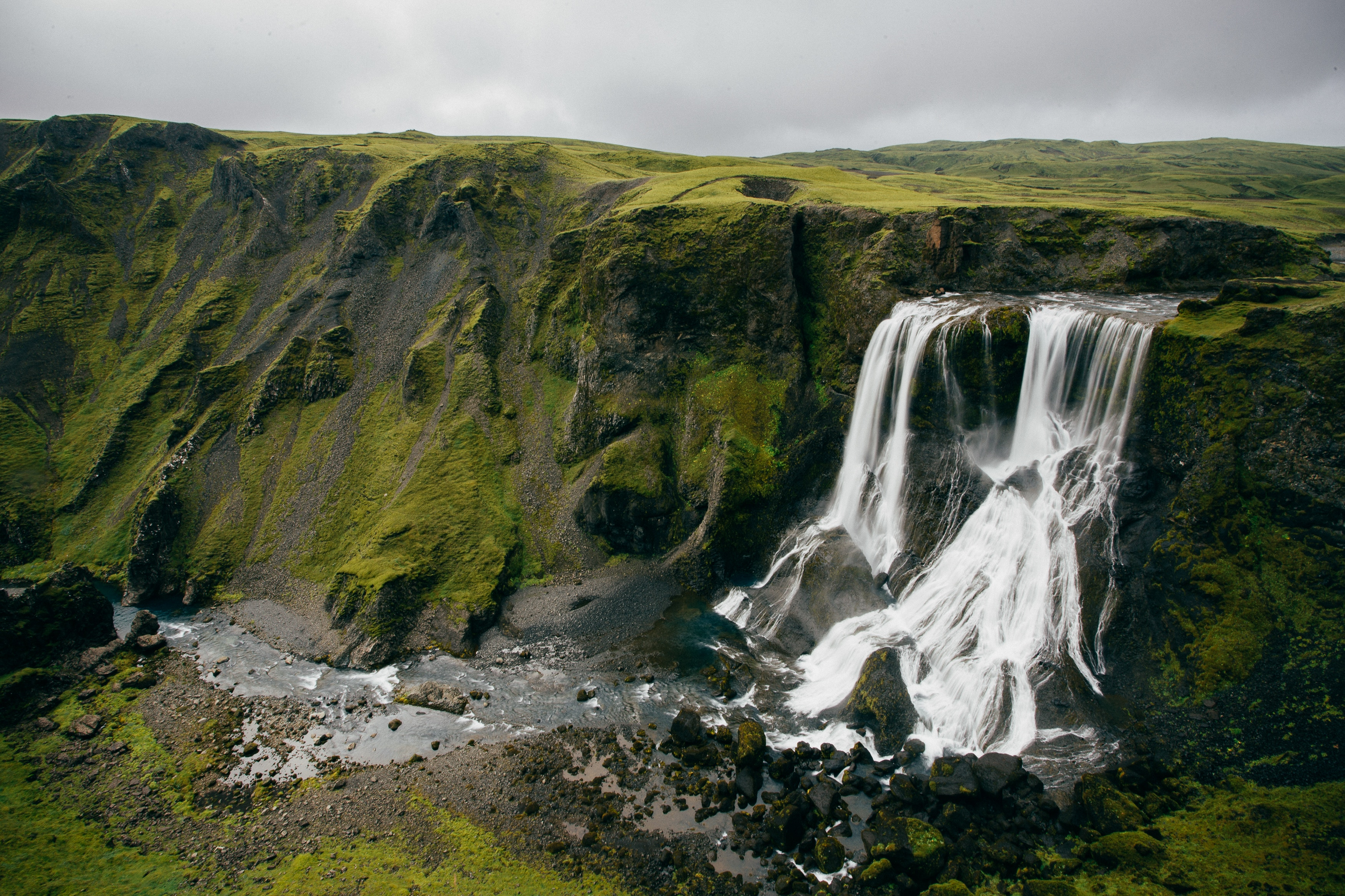 Photo of waterfalls by Jack Smoter.