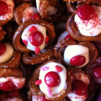 M&M Pretzel Treats for Valentine's Day