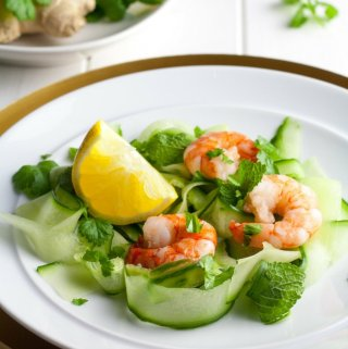 This Asian prawn salad is a fantastic, light starter option for Christmas day. It takes no cooking, is quick and easy to prepare and brings some big flavours to the Christmas dinner table.