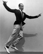 Fashion in film Fred-Astaire-in-Loose-Trousers