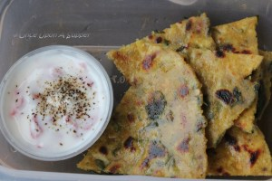 Masala Methi Thepla - Gujarati spiced flatbread with fenugreek