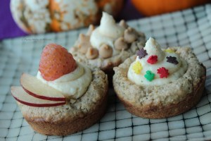 Delicious oatmeal and apple cookie muffins with pumpkin cream cheese