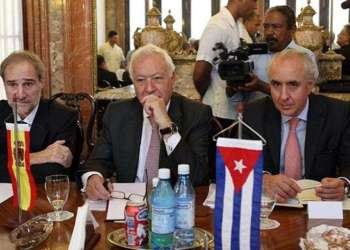 José Manuel García-Margallo, Minister of Foreign Affairs and Cooperation of Spain (center) in Havana / Photo: Taken from EFE.