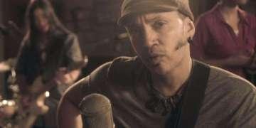 Fotograma del videoclip Tatuaje.