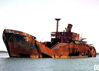 Nikolis, a ghost ship abandoned in Cuba. Photo: Julio César Valiño Pérez