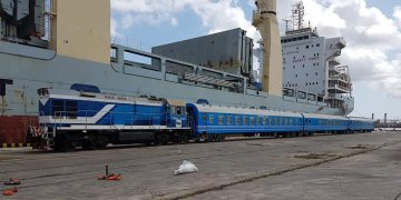 New Chinese cars for Cuban railroad in the port of Havana, May 19, 2019. Photo: @JuventudRebelde / Twitter.