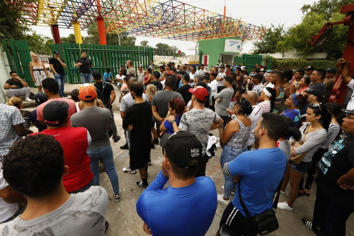 Cuban migrants in Mexico waiting to apply for asylum in the United States. Photo: Carolyn Cole / Los Angeles Times.