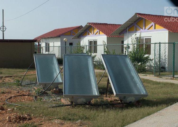 Solar panels in Maisí, in eastern Cuba. Photo: Otmaro Rodríguez / Archive.