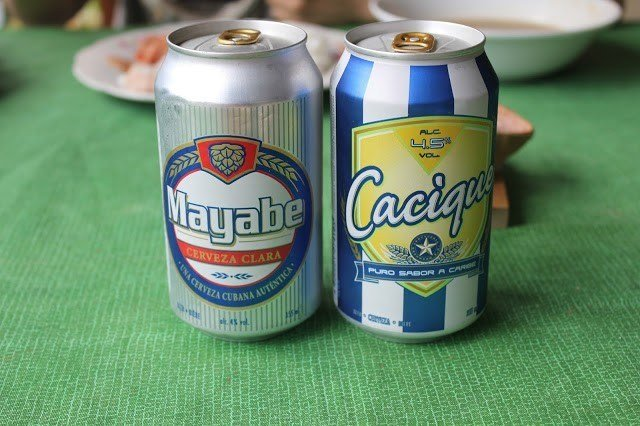 The Cuban beers Mayabe and Cacique, two of the cheapest and most demanded in Cuba. Photo: todocuba.org