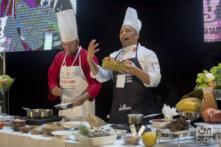 Practical lesson on Cuban regional cuisine during the Cuba Sabe 2020 International Culinary Workshop. Photos: Otmaro Rodríguez.
