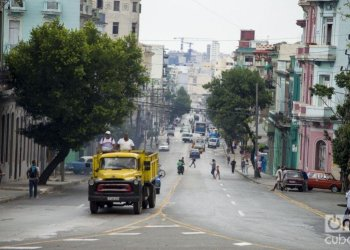 San Lázaro Street, in Havana. Photo: Otmaro Rodríguez.