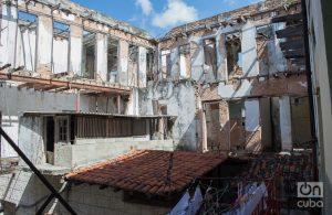 Deterioro en el edificio de San Ignacio, Callejón del Chorro. Foto: Otmaro Rodríguez.