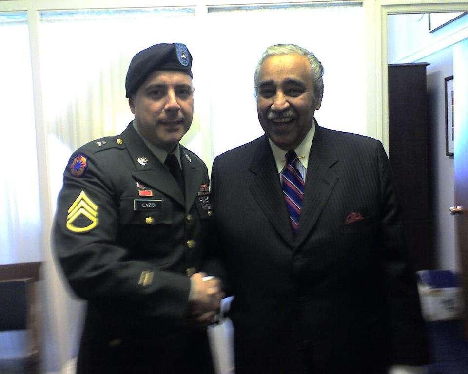 Con el senador Charles Rangel, en Washington. Foto: Cortesía del entrevistado.