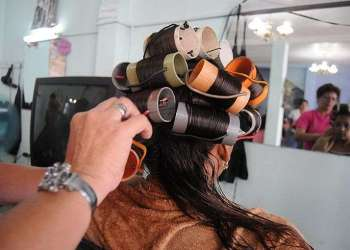 Convertir los servicios de Cuba en cooperativas libera al Estado de la administración de peluquerías, cafeterías y otros rubros de la economía
