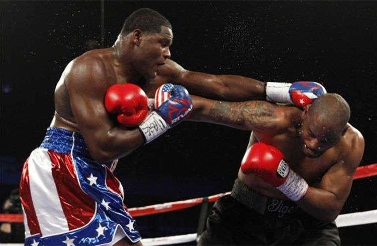 Thompson habló mucho, pero duró poco ante el cubano Ortiz / Foto: boxingscene.com
