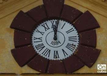 Reloj de la estación de ferrocarril de Sagua La Grande. Foto: Maykel González Vivero
