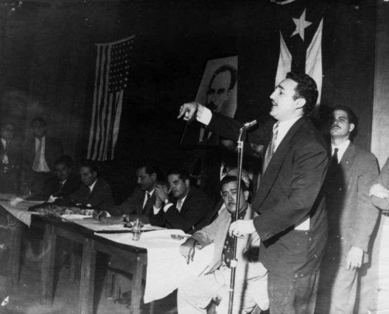 Fidel en el Flager Theater, en Miami en noviembre de 1955.