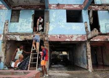Barrio La Punta, Baracoa. Foto: Alejandro Ernesto / EFE.