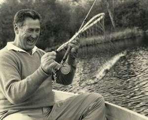 """""""Como buen pescador deportivo, tenía predilección por la captura del zorro plateado o macabí""""."""