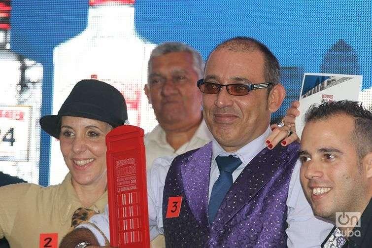 Los tres ganadores: Bárbara Betancourt, 2do lugar; Mario Luis Acosta, 1er lugar; y Reynier Rodríguez, 3er lugar. Foto: Ismario Rodríguez Pérez.