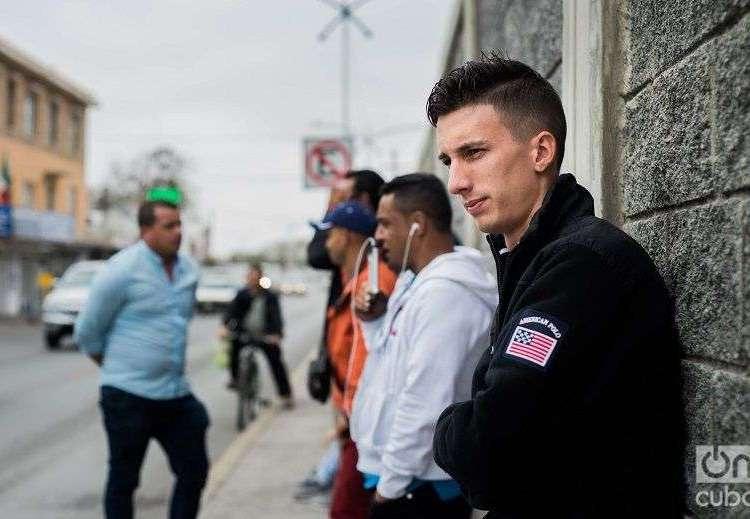 Cubanos en Nuevo Laredo. Foto: Irina Dambrauskas.
