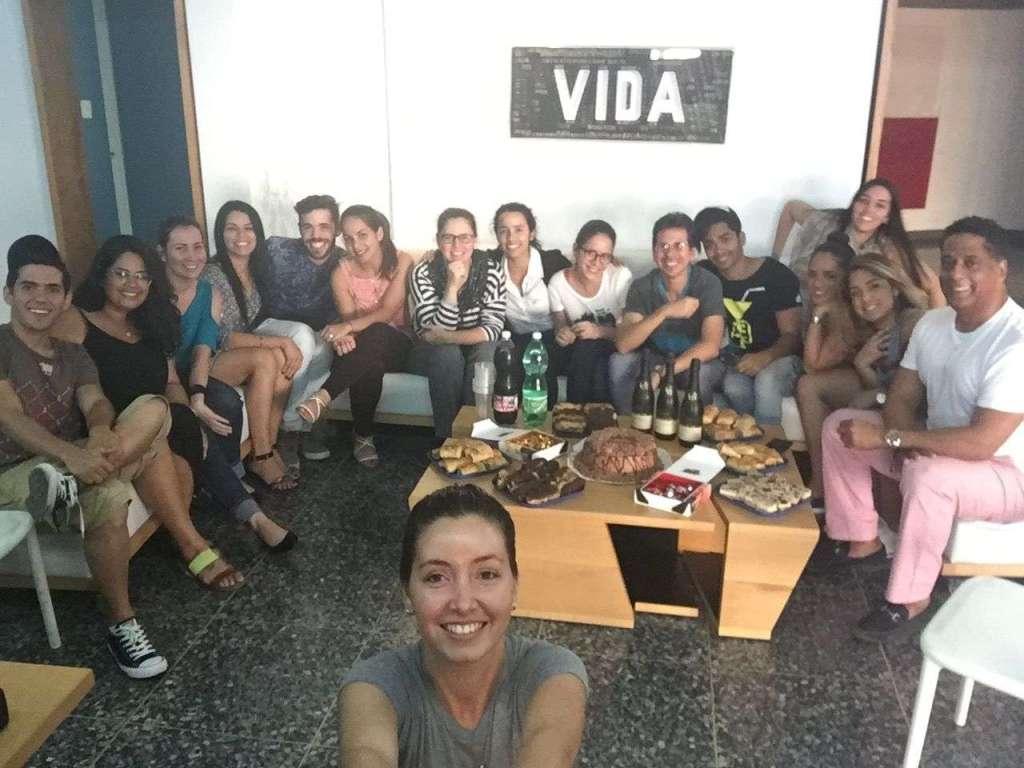 El equipo de OnCuba en La Habana reunido en la oficina en diciembre 2016.