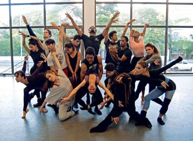 Compañía Acosta Danza. Foto tomada de Facebook.
