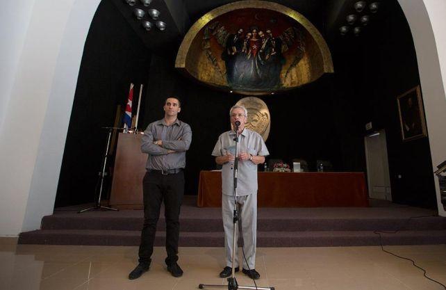Mario Cremata Ferrán junto a Eusebio Leal en la presentación de La voluntad de prevalecer. Foto: Gabriel Guerra Bianchini.