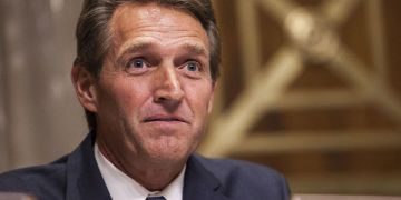 El ex senador republicano Jeff Flake. Foto: Getty Images / Archivo.