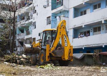 Trabajos de recuperación en el Vedado, La Habana. Foto: Claudio Pelaez Sordo.