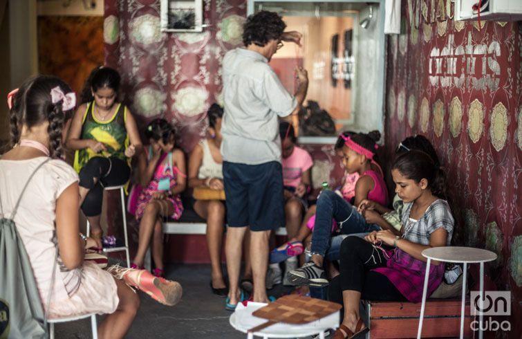 Talleres infantiles para niños de la comunidad. Foto: Larisa López.