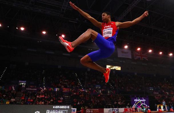 Juan Miguel Echevarría, winner of the Long Jump Cathegory in Athletism World Championship. Photo: Mundo Deportivo.