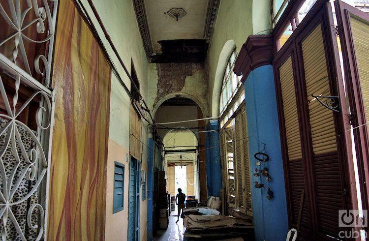 Cuartería en Prado 657. Foto: Otmaro Rodríguez
