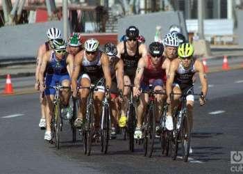 Al Triatlón de La Habana asistieron cientos de competidores de diferentes países. Foto: Otmaro Rodríguez.