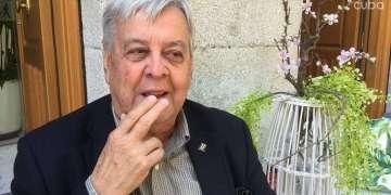 Carlos Alzugaray, co chair de la Sección Cuba de LASA conversa sobre la participación cubana en el próximo Congreso en Barcelona. Foto: Milena Recio.