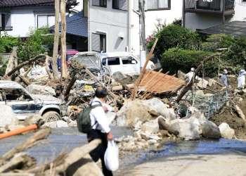 Escombros provocados por las intensas lluvias e inundaciones en Hiroshima, en el suroeste de Japón, el 10 de julio de 2018. Foto: Ryosuke Ozawa / Kyodo News vía AP.