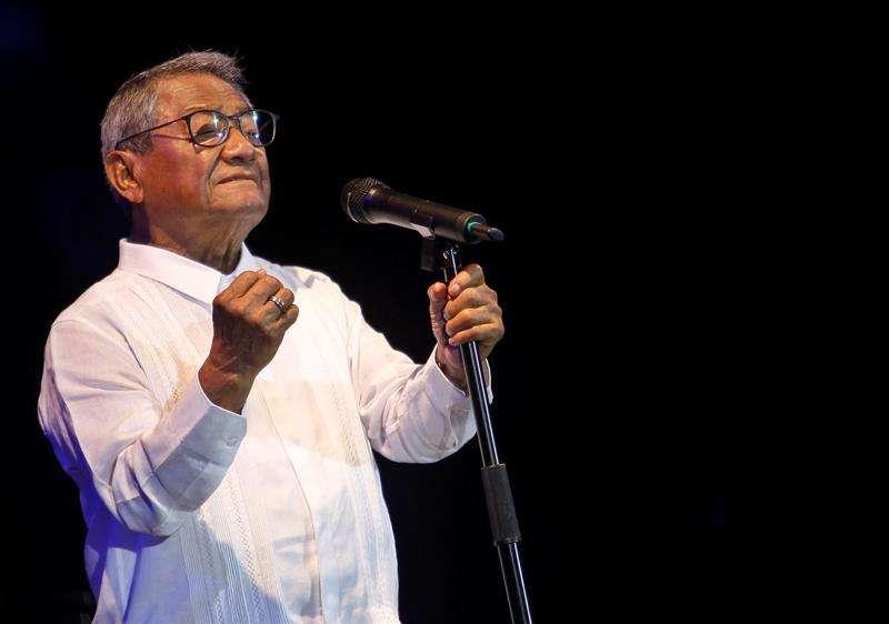 Armando Manzanero ofreció este domingo un concierto único a los cubanos. Foto: Yander Zamora / EFE.