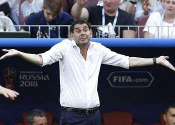 El ya exseleccionador español Fernando Hierro durante el partido de octavos de final de la Copa del Mundo ante Rusia, el domingo 1 de julio de 2018, en Moscú. Foto: Víctor R. Caivano / Rusia.