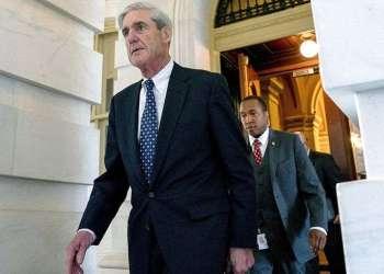 Robert Mueller, fiscal especial que investiga la interferencia rusa en los comicios estadounidenses de 2016, sale del Capitolio tras una reunión a puerta cerrada en Washington en 2017. Foto: Andrew Harnik / AP / Archivo.