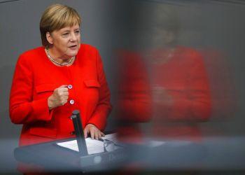 Angela Merkel ofrece un discurso durante una sesión plenaria del parlamento alemán sobre los presupuestos de 2019, en Berlín, el 12 de septiembre de 2018. Foto: Markus Schreiber / AP.