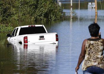 Inundaciones en Lumberton, Carolina del Norte, el martes 18 de septiembre de 2018, tras el paso del huracán Florence. Foto: Gerry Broome / AP.