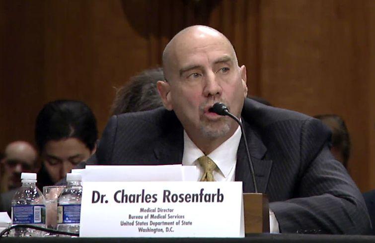 Dr. Charles Rosenfarb, director de la Oficina de Servicios Médicos del Departamento de Estado, en una audiencia en el Congreso sobre los suspuestos ataques a diplomáticos de EE.UU. en La Habana. Foto: U.S. Department of State.