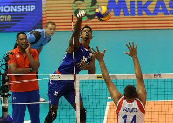 Miguel David Gutiérrez mostró su capacidad ofensiva en el cierre mundialista de Cuba. Foto: FIVB