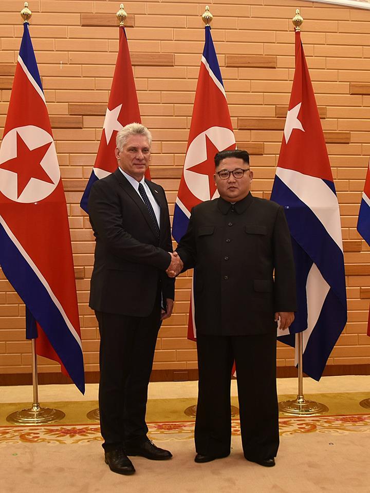 vDíaz-Canel con Kim Jong Un durante su visita a Corea del Norte en 2018. Foto: Estudios Revolución.