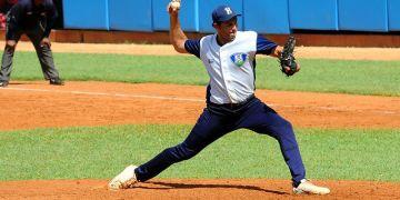 Wilson Paredes ocupará un puesto en el bullpen de Villa Clara, aunque en caso de emergencia también puede abrir. Foto: Carlos Rafael/Periódico Ahora