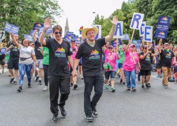 El candidato demócrata de Colorado, Jared Polis, se convirtió en el primer hombre abiertamente gay electo a gobernador de cualquier estado de los Estados Unidos.