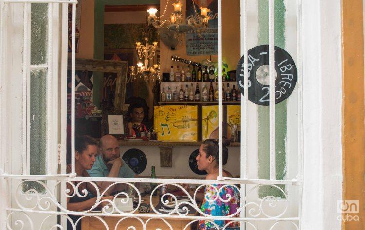 Restaurante privado en Cuba. Foto: Otmaro Rodríguez.