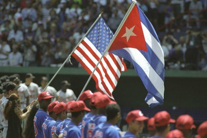La Federación Cubana de Béisbol y la MLB firmaron en diciembre pasado un histórico Acuerdo, pero todavía hay algunos puntos sobre el mismo que generan dudas. Foto: Tomada de la BBC